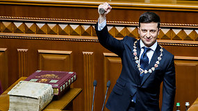 """V.Zelenskis prisiekė Ukrainos prezidentu: """"Kiekvienas iš mūsų – prezidentas"""""""