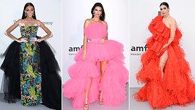 """Pasigrožėkite: Kendall Jenner, Dua Lipa ir kitos pramogų pasaulio žvaigždės suspindo """"amfAR Gala"""" renginyje"""