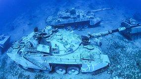 Raudonosios jūros dugne – tankai ir kariniai sraigtasparniai: išskirtinė nardymo vieta vilios turistus
