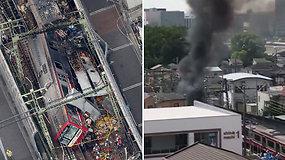 Reta avarija Tokijuje: susidūrus traukiniui ir sunkvežimiui žuvo vienas ir nukentėjo dar 30 žmonių