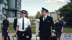 """""""Kylam"""": skrydžių palydovų darbe rutinos tiesiog nebūna"""