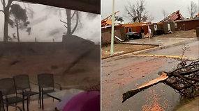 Gyventoja nufilmavo šalia namų praslenkantį viską niokojantį tornadą: per stichiją 3 žmonės žuvo