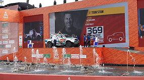 G.Petrus ir T.Jančys pasirodė ant podiumo - vedėja pranešė, kad Dakaras Saudo Arabijoje vyks dar 5 m.