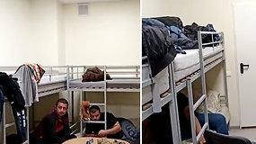 """COVID protrūkį patyrusioje """"Hagelmann"""" dirbęs uzbekas parodė, kaip atrodo gyvenimo sąlygos"""