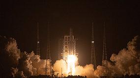 Pirmąkart per keturis dešimtmečius: paleistas aparatas, turintis pargabenti iš Mėnulio akmenų
