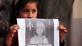 Po septynmetės išprievartavimo ir nužudymo Pakistane reikalaujama teisingumo