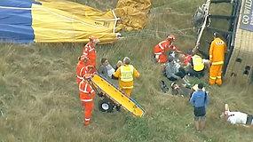 Karšto oro baliono avarija Australijoje: žmonės buvo išsviesti iš krepšio