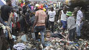 Mozambike nuvirtusi 15 m šiukšlių krūva pražudė 17 žmonių