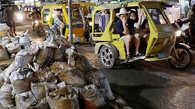 Uždaroma sala Filipinuose: turistai paplūdimius pavertė nuotekų baseinais