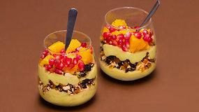 Gaivus avokadų ir bananų desertas