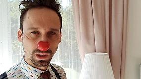 Raudonos nosys: Klounas Augenijus demonstruoja teleportacijos triuką