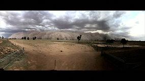 Apokaliptiniai vaizdai iš Australijos: užfiksuota, kaip smogia dulkių audra