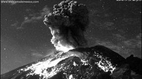 Meksikoje griausmingai išsiveržė  Popokatepetlio ugnikalnis
