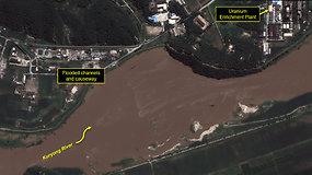 Ekspertai baiminasi, kad potvyniai Šiaurės Korėjoje galėjo apgadinti branduolinį kompleksą