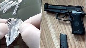 Pareigūnai su įkalčiais sučiupo asmenį, įtariamą narkotikų platinimu, rado ir ginklų