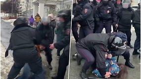 Rusijoje vyksta protestai dėl blogėjančios A.Navalno sveikatos – sulaikyti 8 protestuotojai