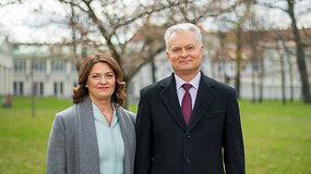 Prezidento ir ponios Dianos sveikinimas Motinos dienos proga: esate palaimintos