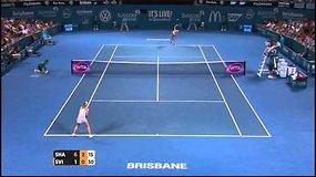 Marija Šarapova užtikrintai žengė į finalą