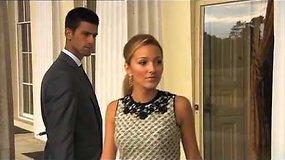Novakas Džokovičius kartu su savo mergina dalyvavo fotosesijoje