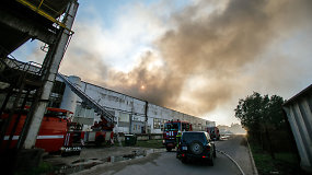 """Alytaus gyventojų nuomonės apie gaisrą: """"Visi Alytaus automobiliai per mėnesį tiek nepridūmija"""""""