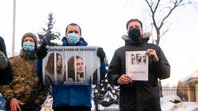 15/15 Lukašenkos režimas už grotų siunčia dvi žurnalistes. Kodėl negirdimi reikalavimai jas paleisti?