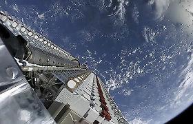 """Baiminamasi, kad """"Starlink"""" palydovai užgoš žvaigždes naktiniame danguje, bet """"SpaceX"""" siūlo, kaip to išvengti"""