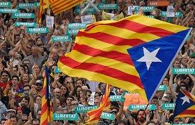 Metai po nepriklausomybės referendumo Katalonijoje: separatistai vis dar bevaldžiai