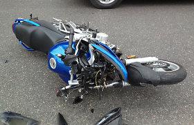 """Vilniaus policija dar tiria, kaip vasarą Grigiškėse susidūrė BMW ir motociklas """"Yamaha"""""""
