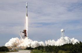 """""""SpaceX"""" krovininis erdvėlaivis sėkmingai startavo į TKS"""