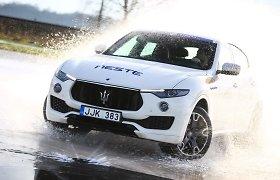 Atrinkti trys pretendentai į sportiškiausio Lietuvos automobilio titulą