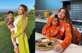 Mielumo įsikūnijimas: sausainius Kylie Jenner padėjusi kepti dukra Stormi pavergė internautų širdis