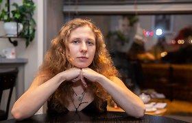 """Maskvoje sulaikytos dvi """"Pussy Riot"""" narės"""