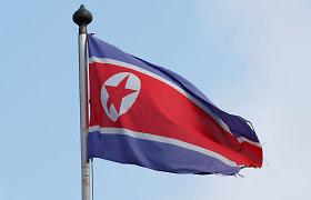 """Pasiūliusi Vašingtonui derybas, Šiaurės Korėja paleido du """"neidentifikuotus sviedinius"""""""