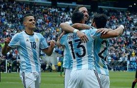 """Galingu Argentinos ir Čilės žaidimu baigėsi """"Copa America"""" grupės varžybos"""