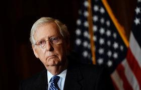 """JAV respublikonų lyderis Senate: D.Trumpas """"atsakingas"""" už įsiveržimą į Kapitolijų"""