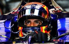 """Carlosas Sainzas atstovaus """"Renault"""" komandai """"Formulėje-1"""""""