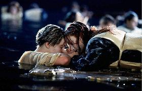 """Dešimtmečių dilema: ar """"Titaniko"""" pabaigoje išsigelbėti galėjo abu herojai?"""