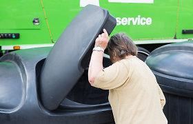 Atliekų tvarkymo Jurbarko rajone užkulisiai – rūšiuoti šiukšles senolę siunčia už 5 km