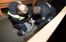 Vilniuje ir Šiauliuose mušeikas tramdę pareigūnai buvo užpulti patys