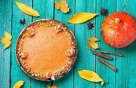 3 desertai su moliūgais: saldainiai, pyragas su cinamonu ir purūs vafliai