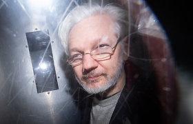 """Britų teisėja nesutiko Jungtinėms Valstijoms išduoti """"WikiLeaks"""" įkūrėjo J.Assange'o"""