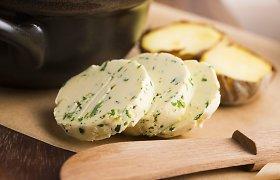Tinka prie visko: 4 sviesto su žolelėmis ir prieskoniais receptai