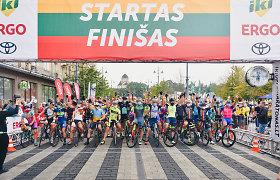 """Prie """"IKI Velomaratono"""" starto stojo R.Navardauskas, S.Ritter ir kiti žinomi sportininkai"""