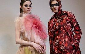 """Paryžiaus mados savaitė: """"Dior"""" 2021–2022 m. rudens ir žiemos kolekcijos modeliai"""
