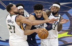 Šiurkšti gynybos aso R.Gobert'o klaida lėmė NBA lyderių nesėkmę prieš autsaiderius