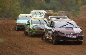 """Finaliniame """"Weekend Grand Race"""" serijos etape varžybų taisykles pakeitė lietus"""