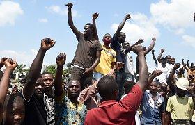 Nigerio prezidento rinkimų pirmą turą laimėjo valdančiųjų kandidatas M. Bazoumas