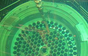 Panaudotas branduolinis kuras Ignalinos atominėje jau kraunamas į konteinerius