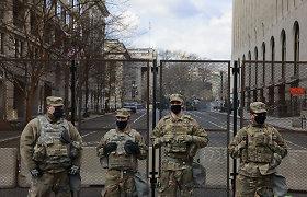 JAV nacionalinės gvardijos kariai, padėję saugoti J. Bideno inauguraciją, vyksta namo