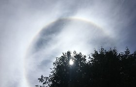 Skaitytojai Lietuvoje užfiksavo retą reiškinį – saulės halą